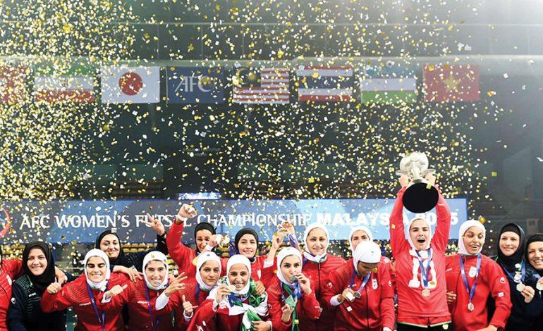 فوتبال و فوتسال، اعتماد به نفس دختران را زیاد میکند